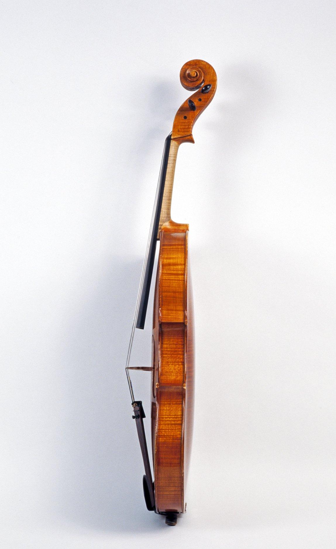 Side profile of Alto violin